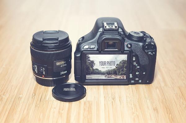 Realistic Camera Mock-Up