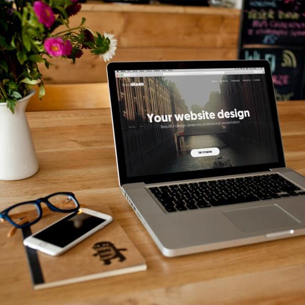 Free PSD Laptop Mockup Design